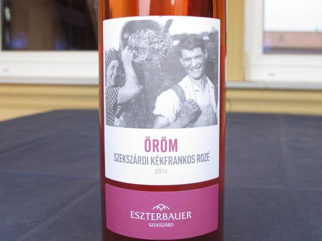Eszterbauer - Öröm Kékfrankos rosé 2014.JPG